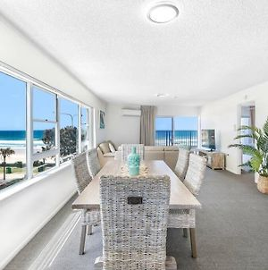 Large Beachfront 2 Bedroom Apartment photos Exterior