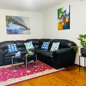Spacious Townhouse In Wollongong Cbd, Close To North Gong Beach photos Exterior