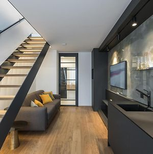 Fully Renovated Stylish Duplex In A Convenient Location photos Exterior