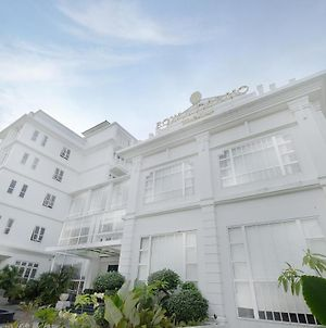 Royal Darmo Malioboro Hotel photos Exterior