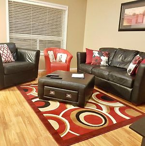 3 Beds , Private Cozy Patio , 4 Mins Drive To Starbucks photos Exterior