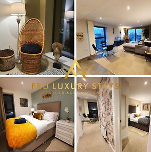 Fru Luxury Stays Serviced Accommodation *Simba* - Manchester 2 Bedroom Apartment, Sleeps 4. Gated Allocated Parking photos Exterior