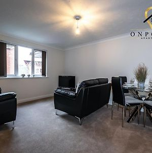 Onpoint Apartments - Fantastic 2 Bed Apt - Free Parking! photos Exterior