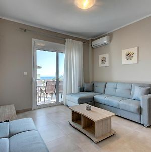 The House Of The Roses Beachfront Luxury 2 Rooms Apartment 1 photos Exterior