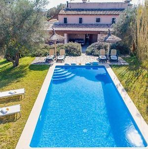 Holiday Home In Buger Sleeps 6 Includes Swimming Pool Air Con And Wifi 8 photos Exterior