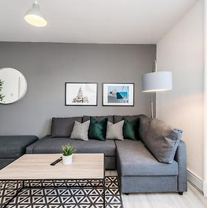 Cosy And Modern 1 Bed Central Apartment Sleeps 5 photos Exterior
