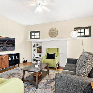 Lit & Trendy 1-Bedroom Apt In The Iconic Hyde Park photos Exterior