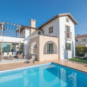 Villa In Ayia Thekla Sleeps 6 Includes Swimming Pool And Air Con 3 photos Exterior