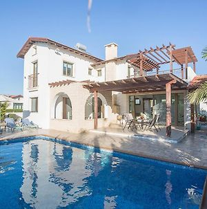 Villa In Ayia Thekla Sleeps 6 Includes Swimming Pool And Air Con 1 photos Exterior