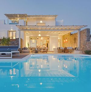 Villa In Elia Sleeps 14 Includes Swimming Pool And Air Con 8 photos Exterior