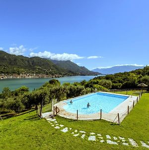 Luxurious Holiday Home With Pool In Sala² photos Room