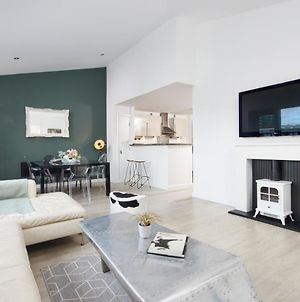 Penthouse Apartment, Sheffield City - With Parking And Balcony photos Exterior