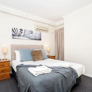 8 Simply Great - Family Size Refurbished Sleeps 4 photos Exterior