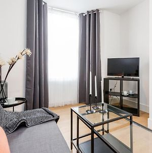 2 Bedrooms Serviced Apartment Excel Exhibition Centre, O2 Arena, Stratford Olympic City, Forest Gate, Central London photos Exterior