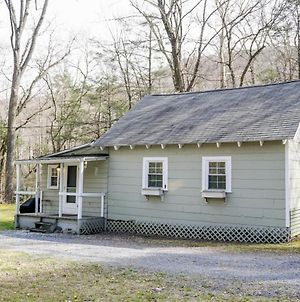 Camelback Cottage - On One Acre & Near Local Attractions photos Exterior