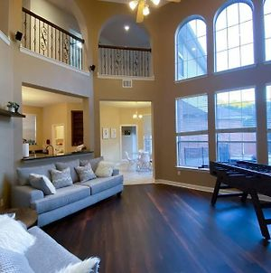 Family Friendly 4 Bd W/ Pool, Centrally Located! photos Exterior