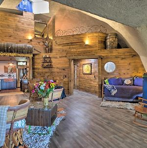 'Hobbit House' With Fire Pit About 16 Mi To U Of A! photos Exterior