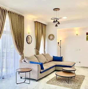 A Tastefully Furnished Panache One Bedroom Apartment photos Exterior