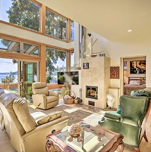 One-Of-A-Kind Bayfront Home With Hot Tub And Beach photos Exterior