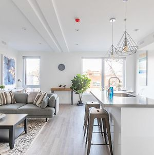 Newly Renovated - Luxury 3Br Apartment - Steps To High Park! photos Exterior