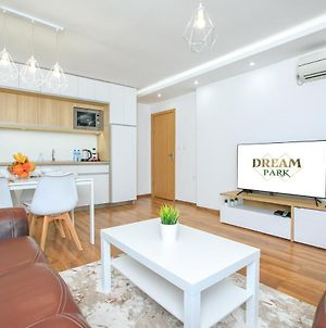 Dream Park Apartment photos Exterior