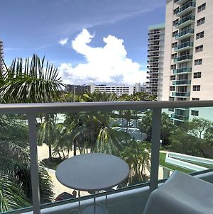 Miami Hollywood Great 2 Bedroom 2 Bathroom With Intercostal View 001-22Bvic photos Exterior