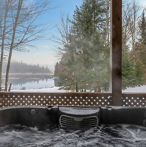 Grizzly Lodge Hot Tub Infrared Sauna photos Exterior