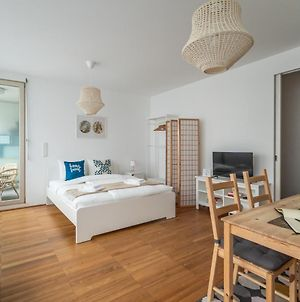 Wake Up In A Peaceful Flat With A Stellar Location photos Exterior