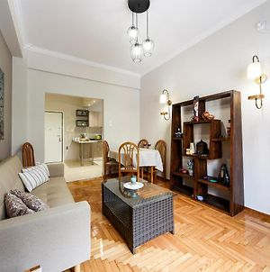 Delightful Apt. & Location In Heart Of Athens! photos Exterior