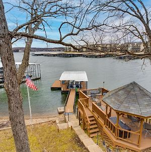 Large, Renovated, Family Retreat On The Water - Perfect Location! photos Exterior