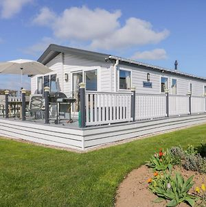 Superb Detached Lodge Located On Skipsea Sands photos Exterior