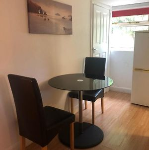 2Bed Room Small Annex Furnished In High Wycombe photos Exterior