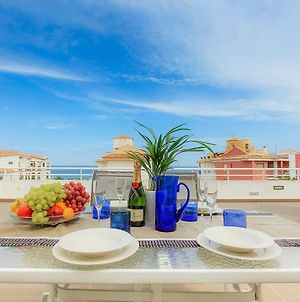 Luxury 3-Bed Apartment On The First Beach Line photos Exterior