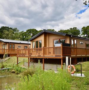 Poppy An Immaculate Lake Side Lodge The Perfect Retreat, Sleeps 4 photos Exterior