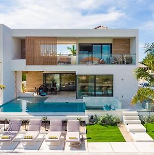 Liquid Luxury Villa - Modern & New On The Water photos Exterior