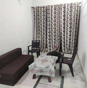 Serene Villa Having All Amenities In Gated Society With Free Pickup On Arrival photos Exterior