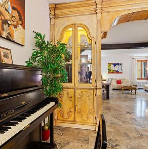 Inviting Villa In The Heart Of Venice With Whirlpool photos Exterior