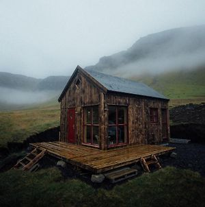Mulafossur Cottage No 2 By Famous Waterfall In Gasadalur photos Exterior