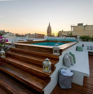 Amazing 12 Bedroom Mansion With Rooftop Pool In The Historic Center photos Exterior