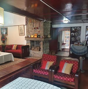 Cozy Attic, 1Br In A Homestay 2Kms From Dylan'S Cafe, Shillong photos Exterior