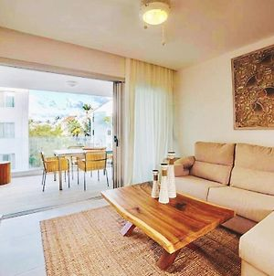 Luxury Condo 2 Bedrooms 30 Sec Walk From The Beach Bgd3 photos Exterior