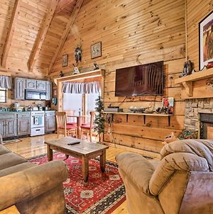 Mountain Rose Pigeon Forge Area Cabin With Hot Tub! photos Exterior