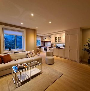 Spacious And Modern, 2-Bedroom, Near Center, Free Parking, Best Location photos Exterior
