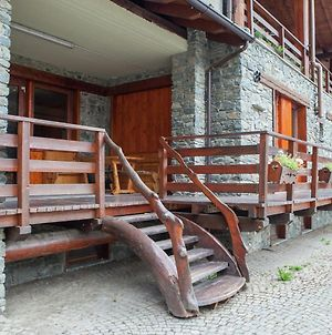 Chalet In The Peaceful Area Of Antey Saint Andre photos Exterior
