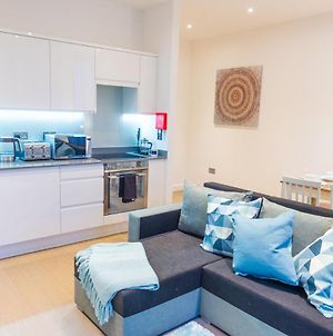Absolute Stays On Grosvenor - Close To London - Near Luton Airport - St Albans Abbey Train Station - St Albans Cathedral - Harry Potter World - Free Wifi - Contractors - Corporate photos Exterior