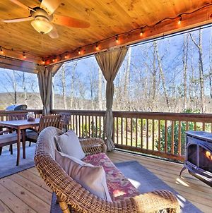 Modern Glenville Forest Cabin With Grill And Deck photos Exterior