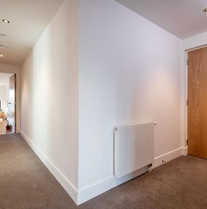 Luxury Balcony Apartment In St Andrews With Parking photos Exterior