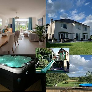 Sleeps 11 Large Stunning Luxury Home Close To Worcester & Malvern With Hot Tub, Summer Pool Orchard & Parking photos Exterior