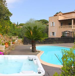 Luxurious Holiday Home In Sainte-Maxime With Jacuzzi photos Exterior