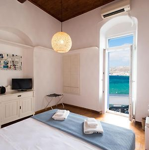 Mykonos Old Harbor Front Suite With Balcony photos Exterior